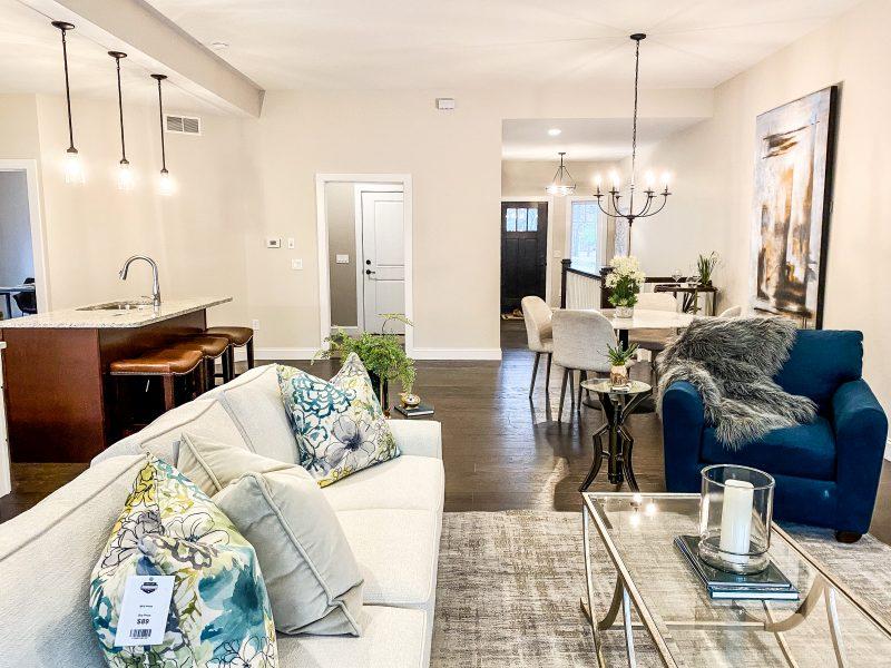 forestridge livingroom 2
